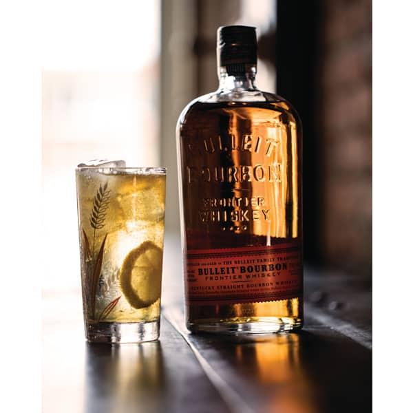 Bulleit Bourbon Frontier Whiskey 45% Vol. 0,7l